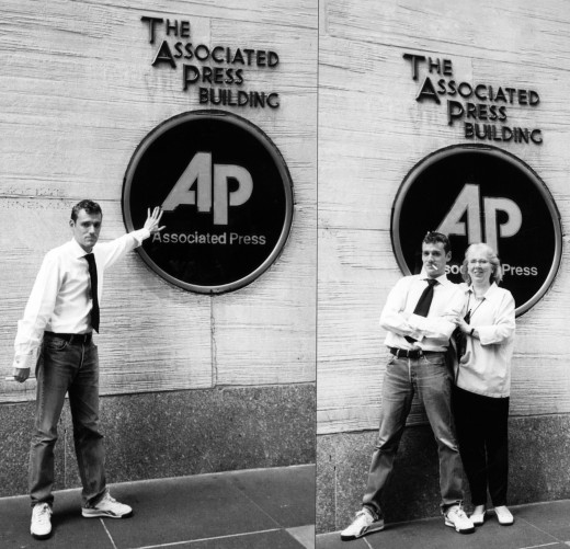Nicolas Rapp at the AP New York headquarter - 50 Rockefeller Center - with Susie Hoffmann in 2004